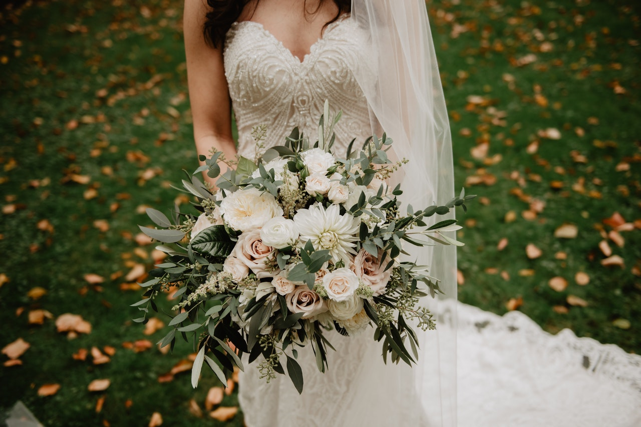 Planning an At-Home Wedding on a Budget